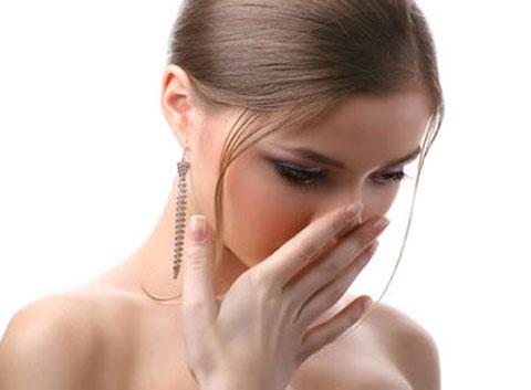 khí hư có màu trắng biểu hiện của bệnh gì